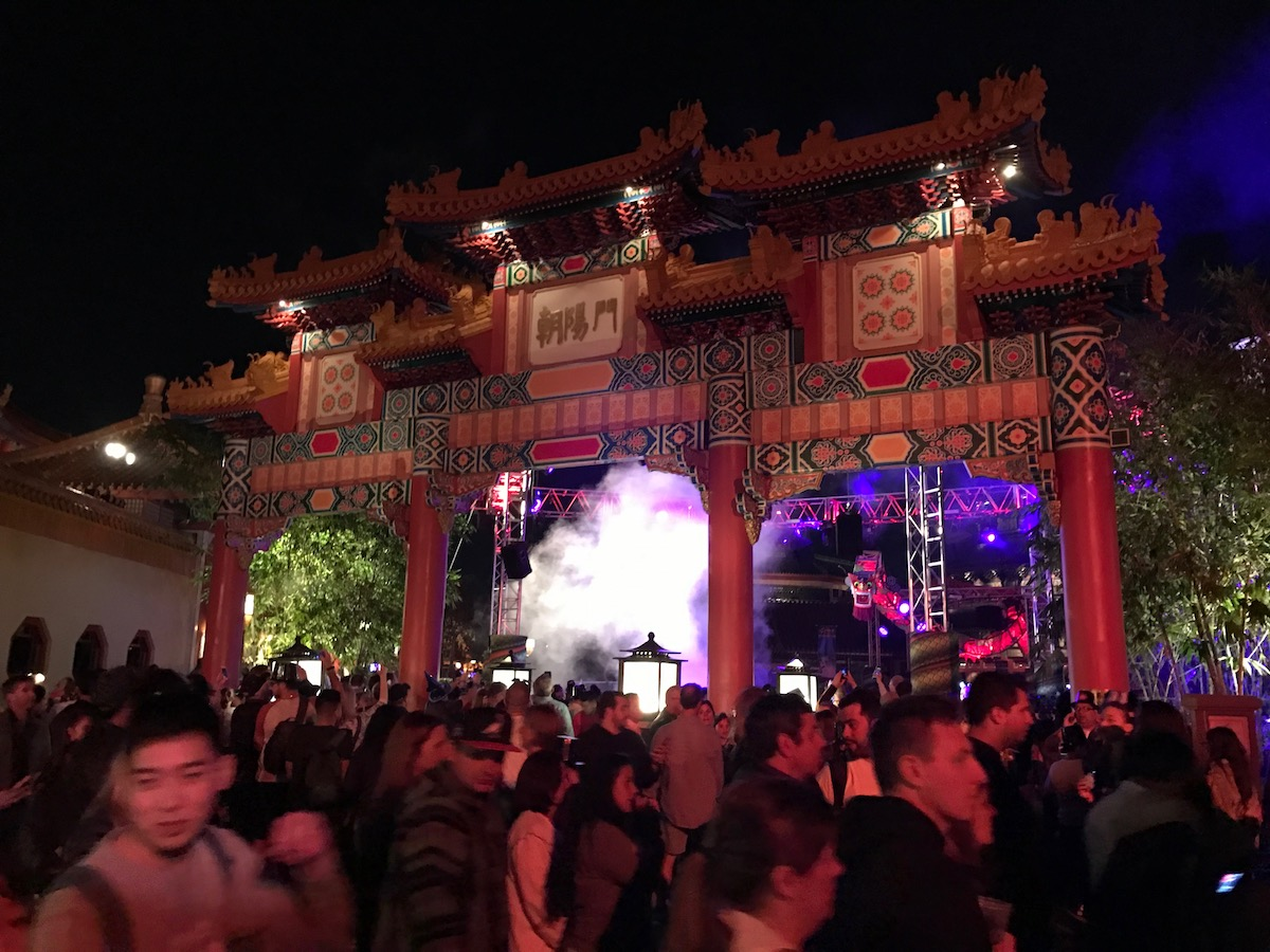 walt disney world annual pass crowds.jpg