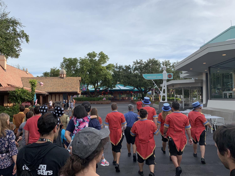 magic kingdom rope drop seven dwarfs mine train 1.jpg