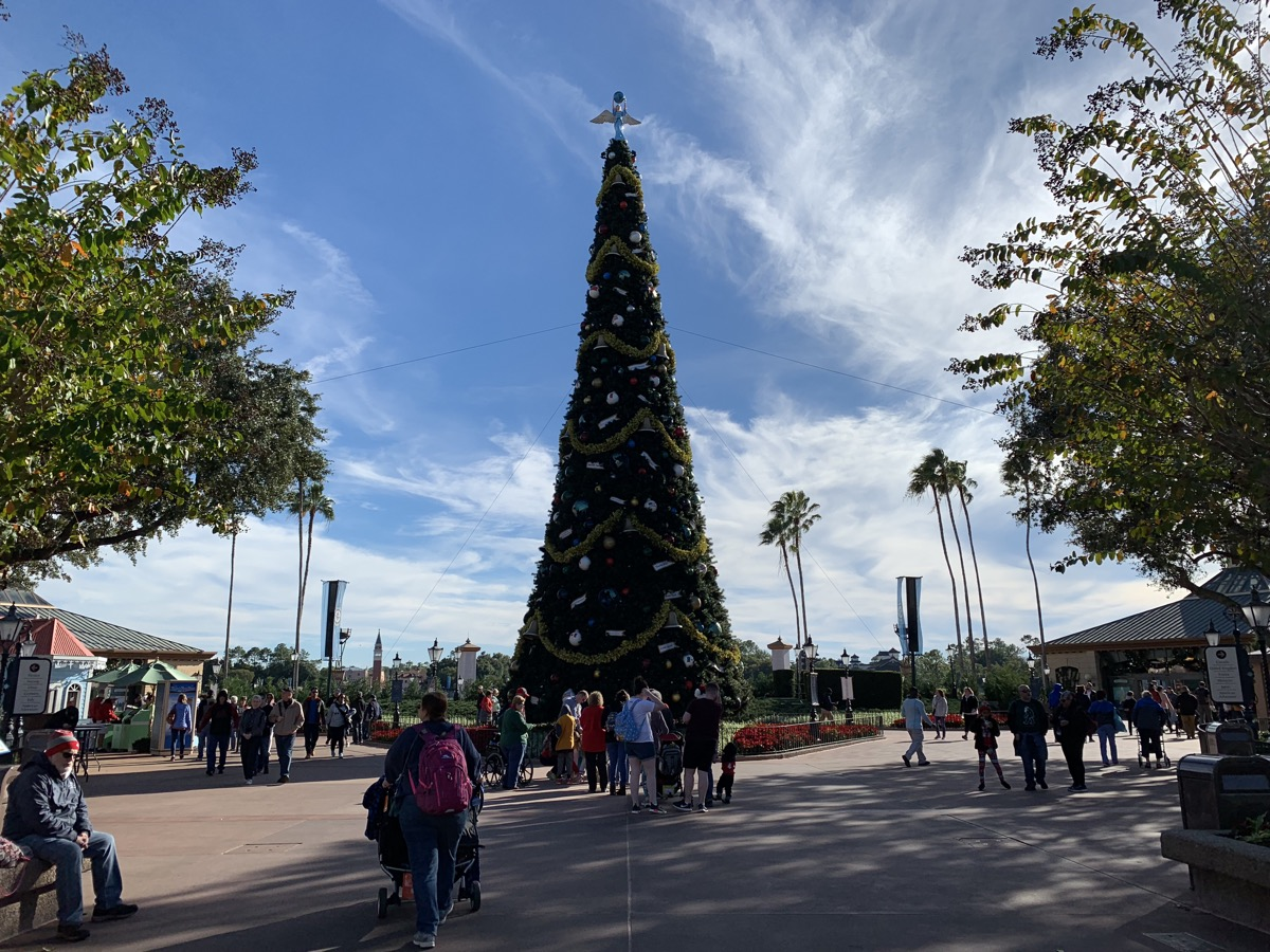 epcot festival of holidays tree 5.jpeg
