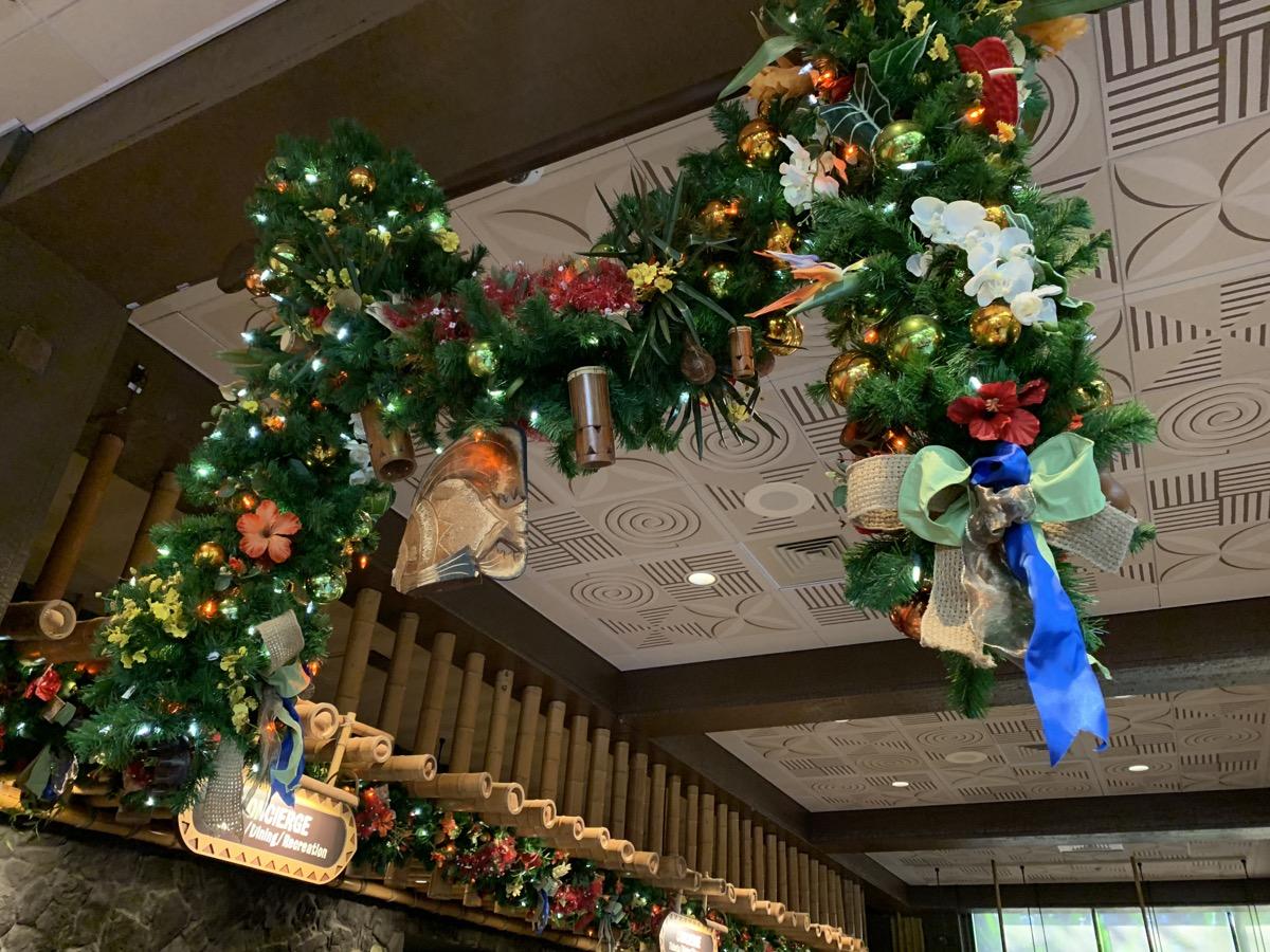 polynesian christmas decorations 1.jpeg