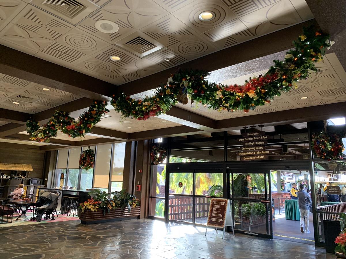 polynesian christmas decorations 3.jpeg