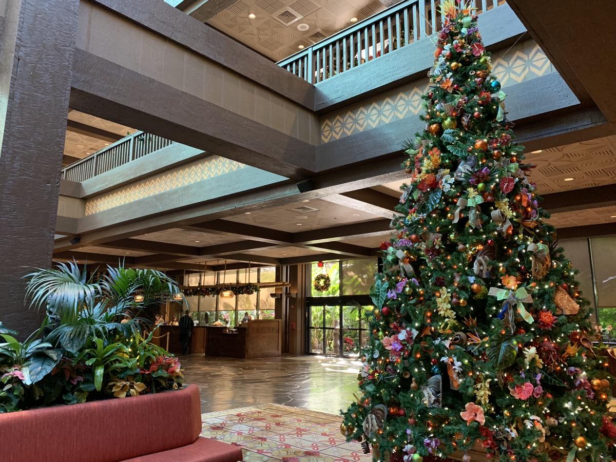 polynesian christmas tree 3.jpeg