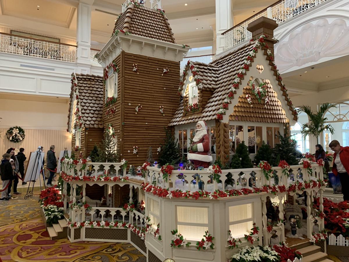 grand floridian gingerbread house 4.jpeg