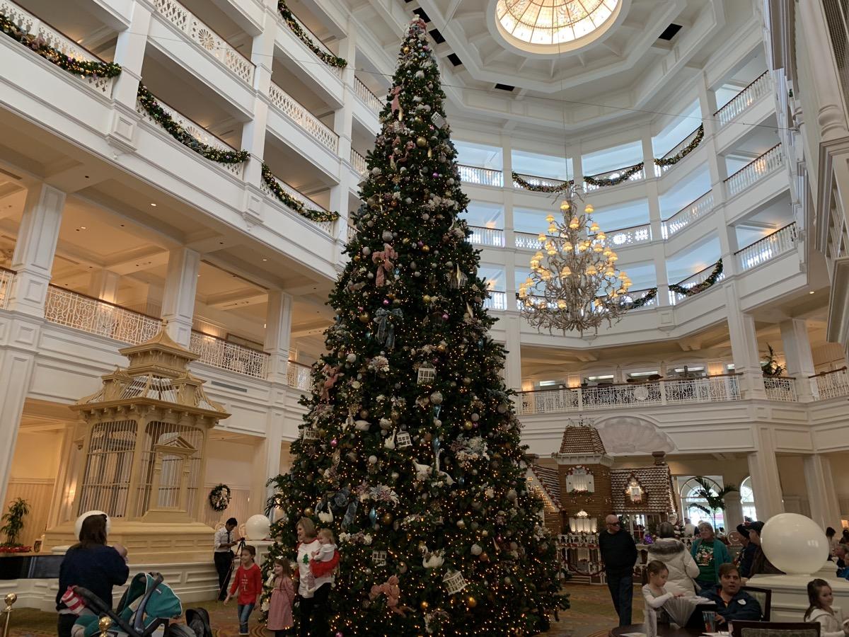 grand floridian christmas tree 1.jpeg