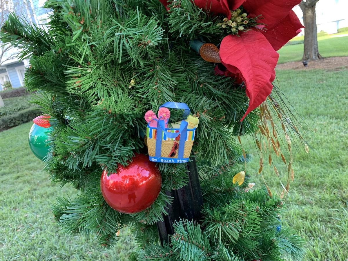 beach club christmas decorations 3.jpeg