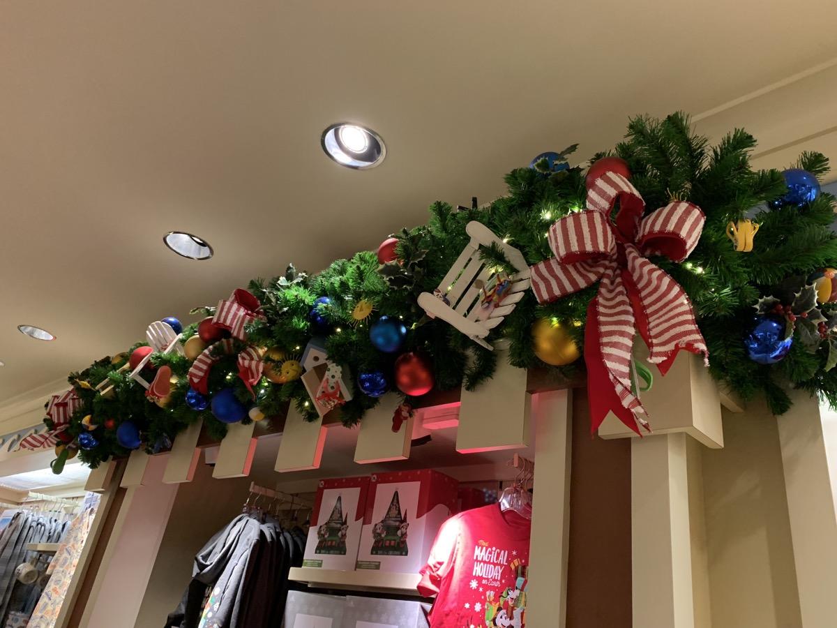 beach club christmas decorations 9.jpeg