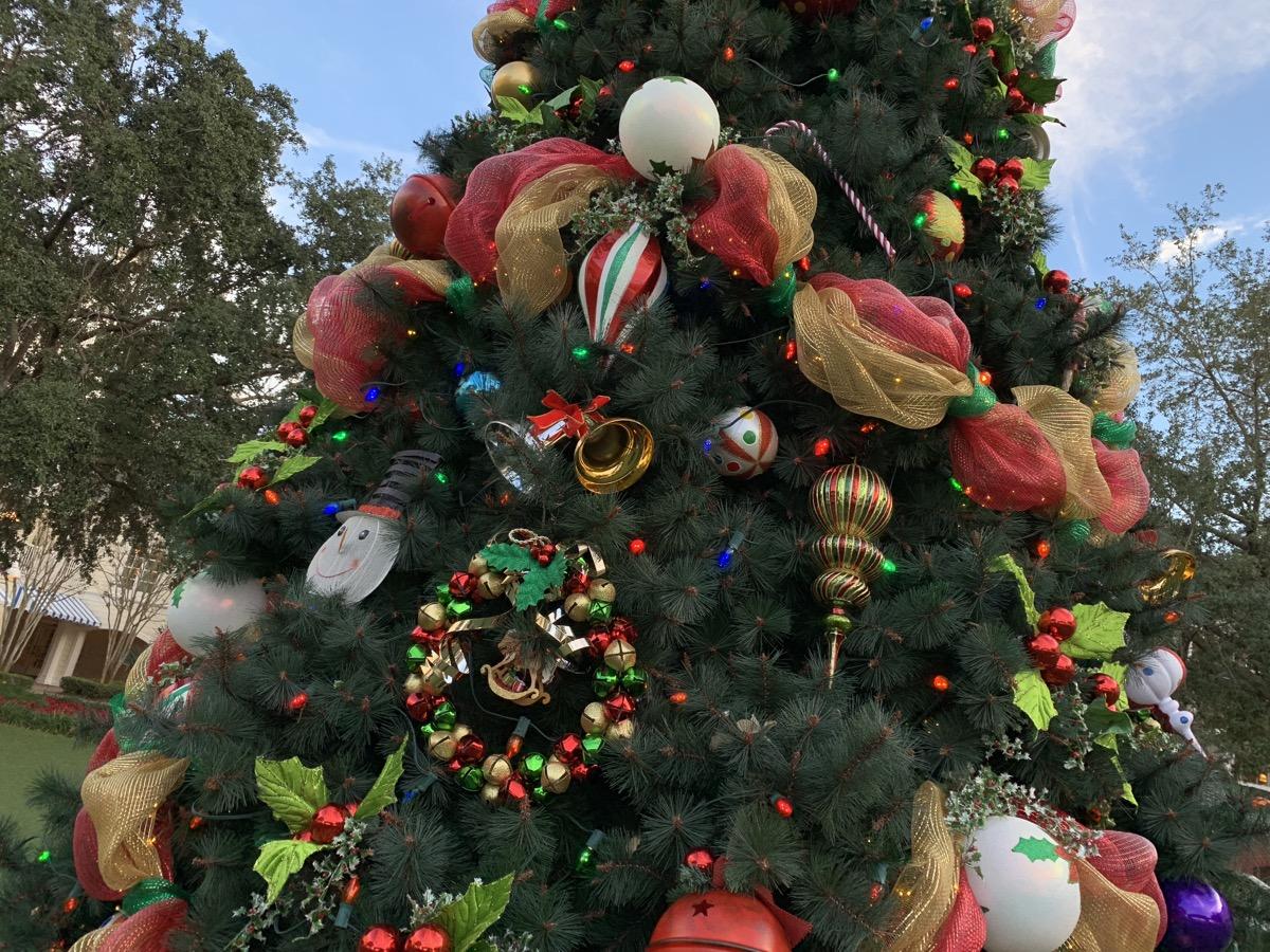 boardwalk inn christmas tree 2.jpeg