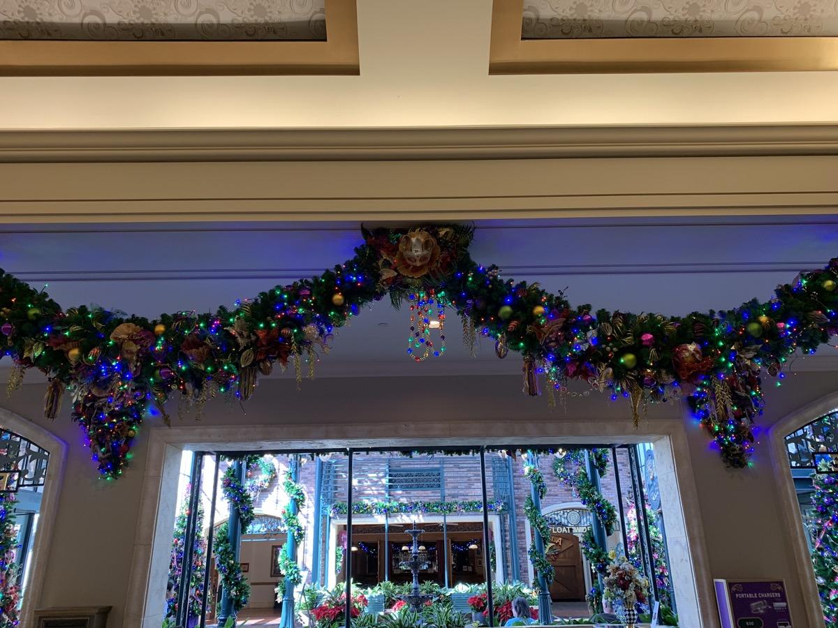 port orleans french quarter christmas decorations 7.jpeg