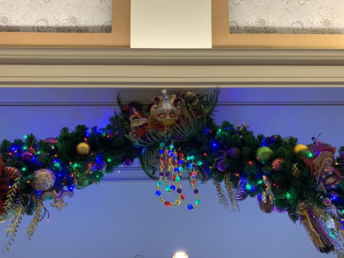port orleans french quarter christmas decorations 8.jpeg