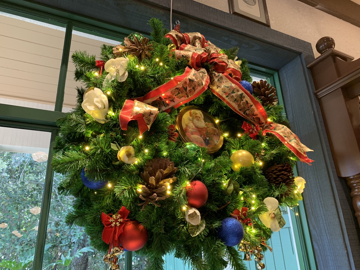 port orleans riverside christmas decorations 3.jpeg