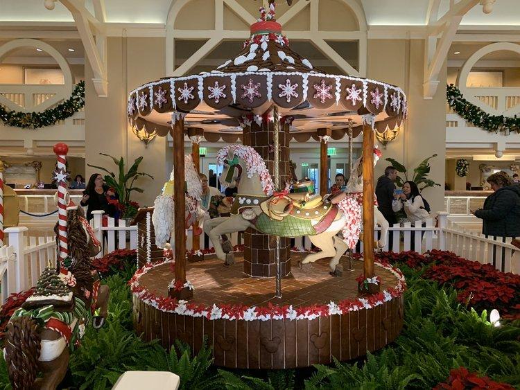 Christmas Decorations At Walt Disney World Hotels 2018 Mouse Hacking