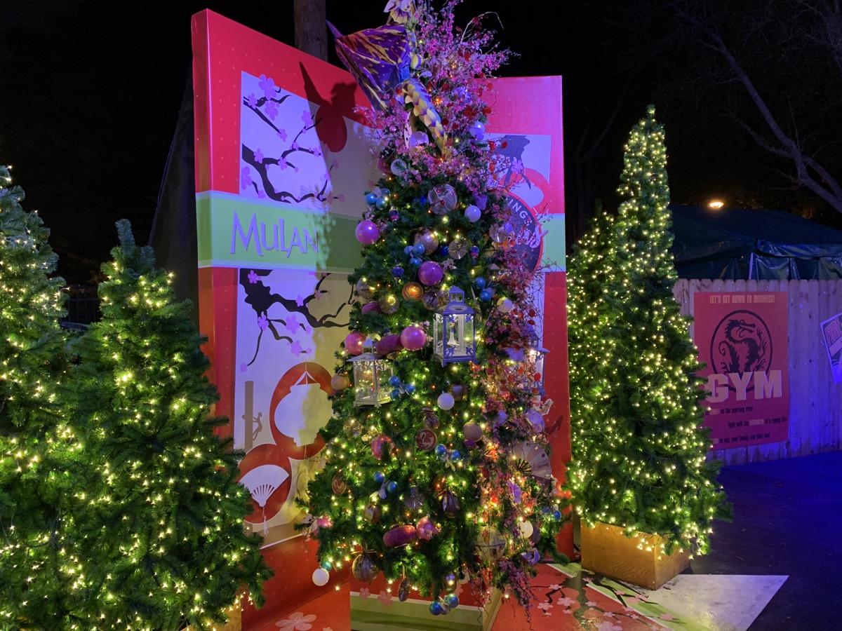 walt disney world christmas disney springs christmas tree trail 17.jpeg
