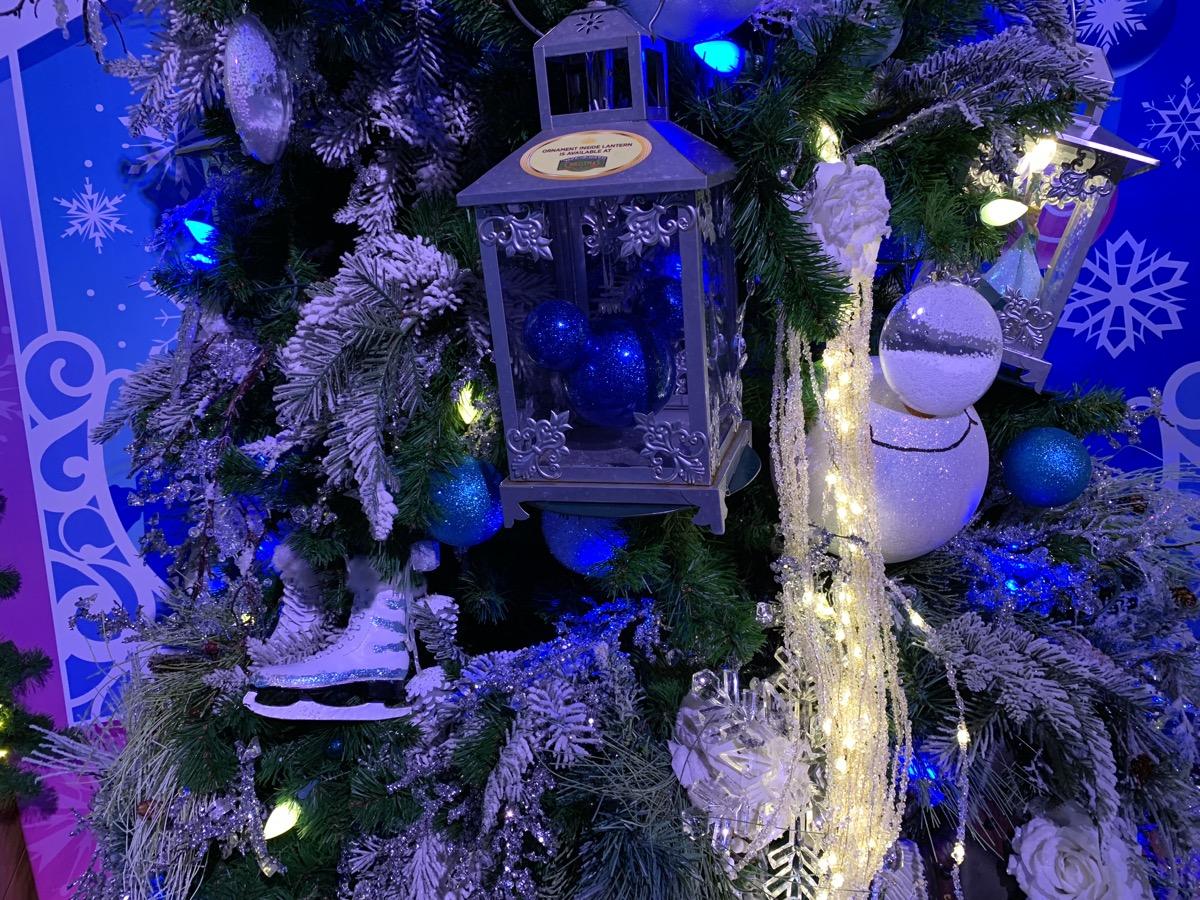 walt disney world christmas disney springs christmas tree trail 20.jpeg
