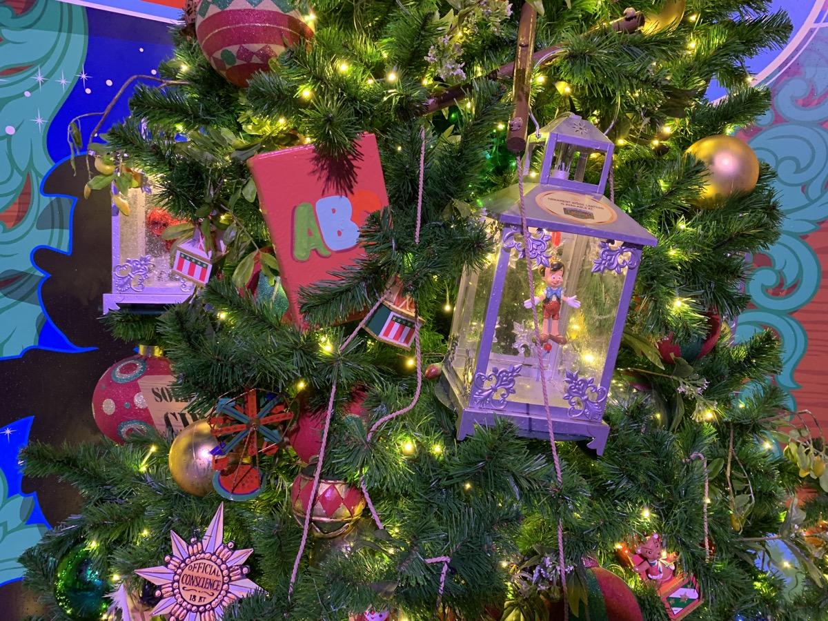 walt disney world christmas disney springs christmas tree trail 31.jpeg