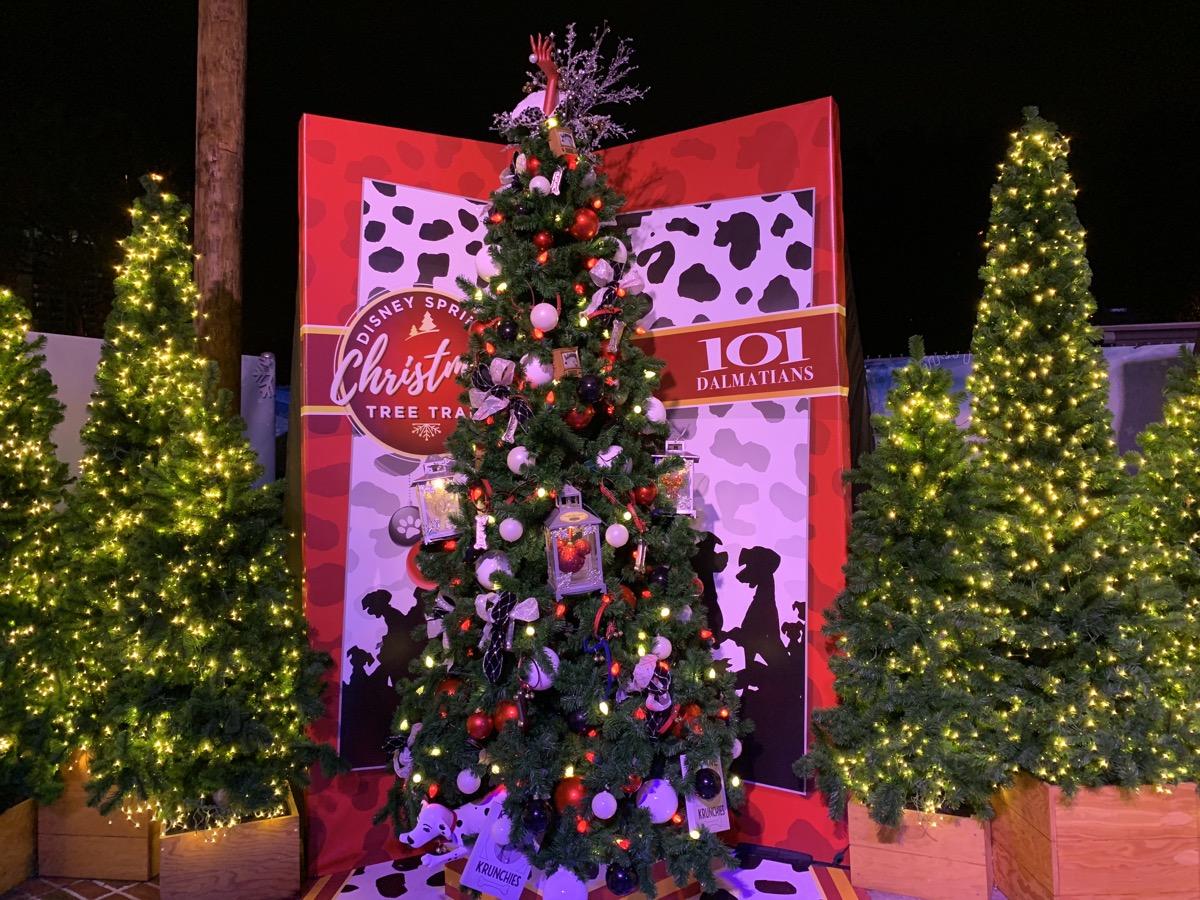 walt disney world christmas disney springs christmas tree trail 32.jpeg