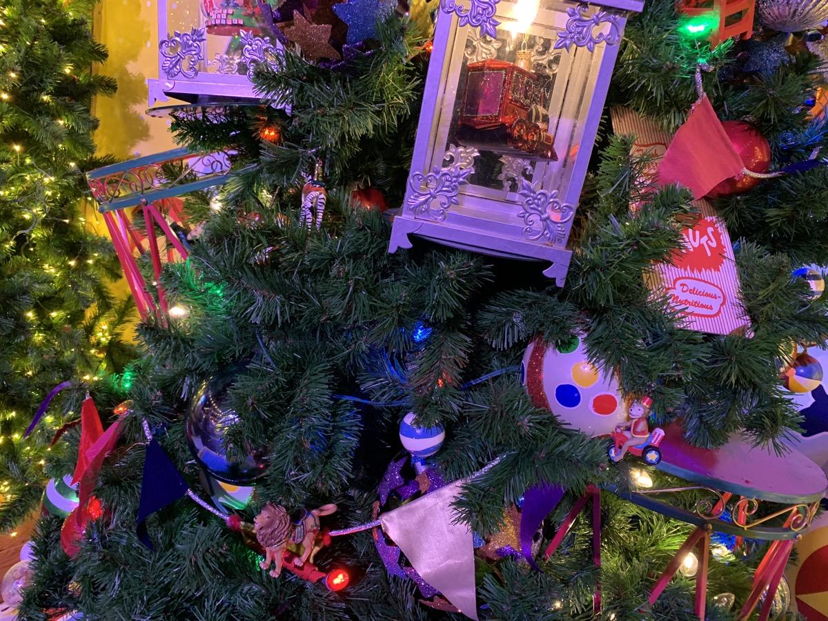 walt disney world christmas disney springs christmas tree trail 39.jpeg