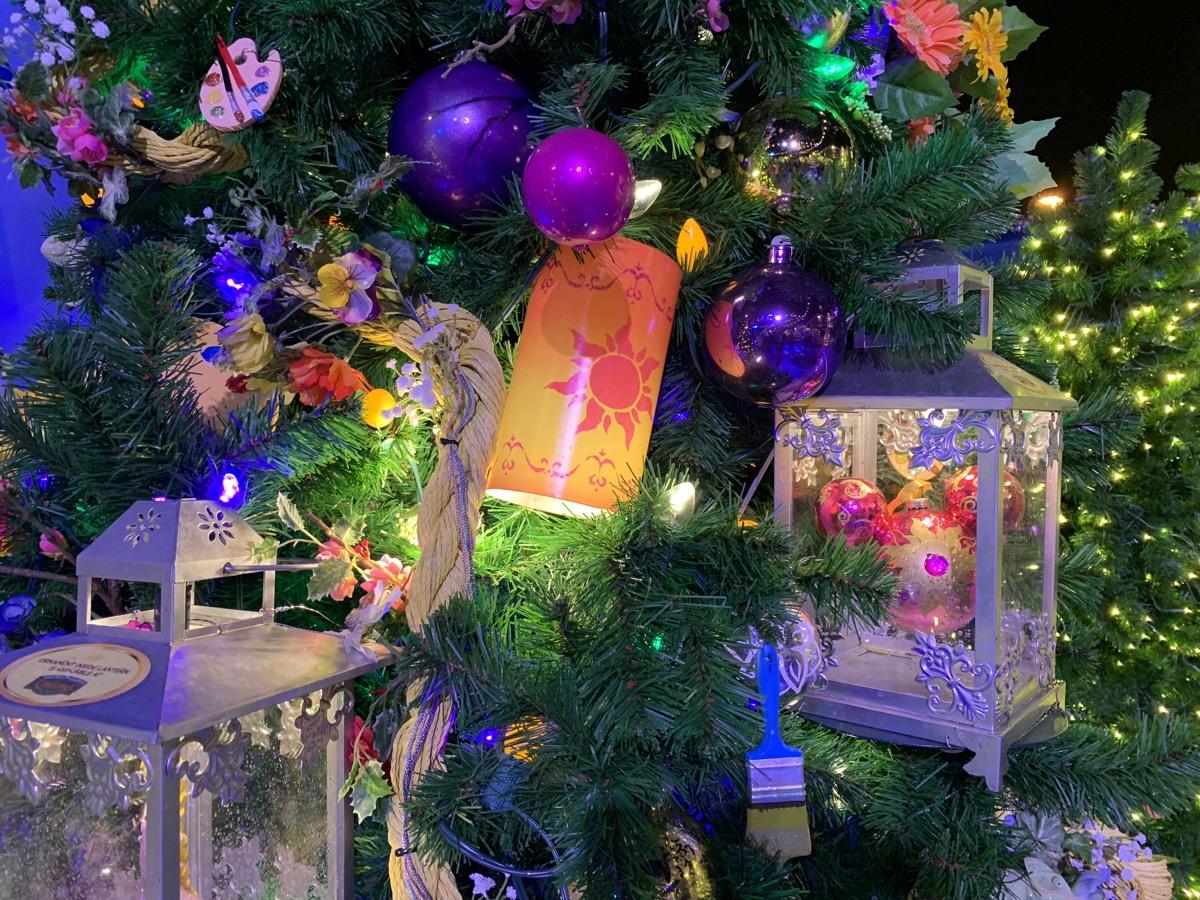 walt disney world christmas disney springs christmas tree trail 45.jpeg