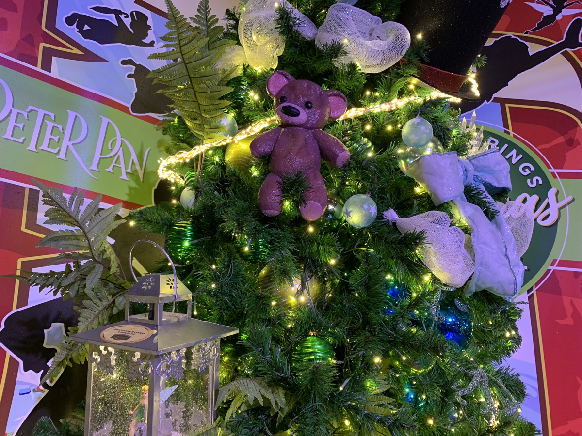 walt disney world christmas disney springs christmas tree trail 47.jpeg
