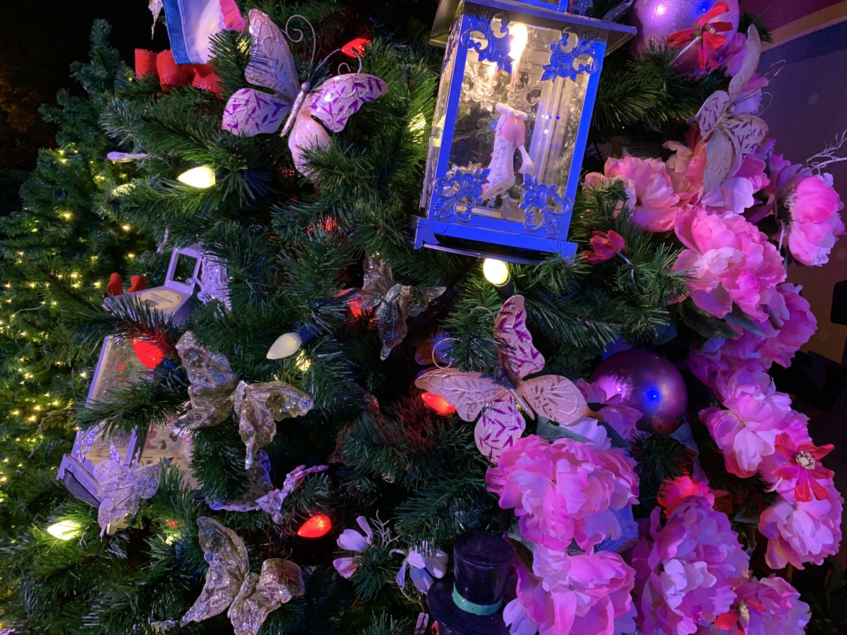 walt disney world christmas disney springs christmas tree trail 53.jpeg