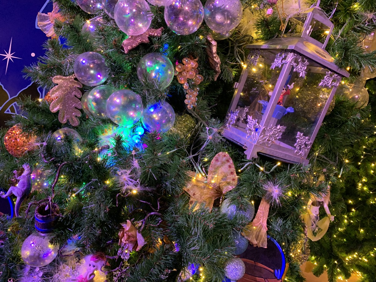 walt disney world christmas disney springs christmas tree trail 55.jpeg