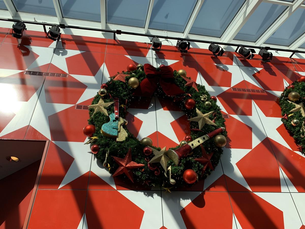 christmas at walt disney world all star music wreath 2.jpg