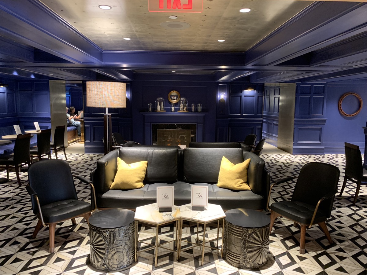 review of disneys yacht club resort ale and compass lounge 1.jpg