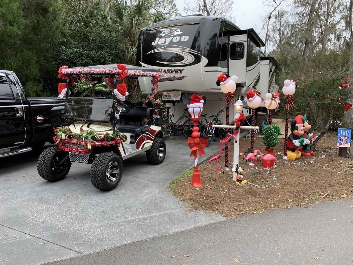 disney world hotels christmas decorations fort wilderness guests 4.jpg