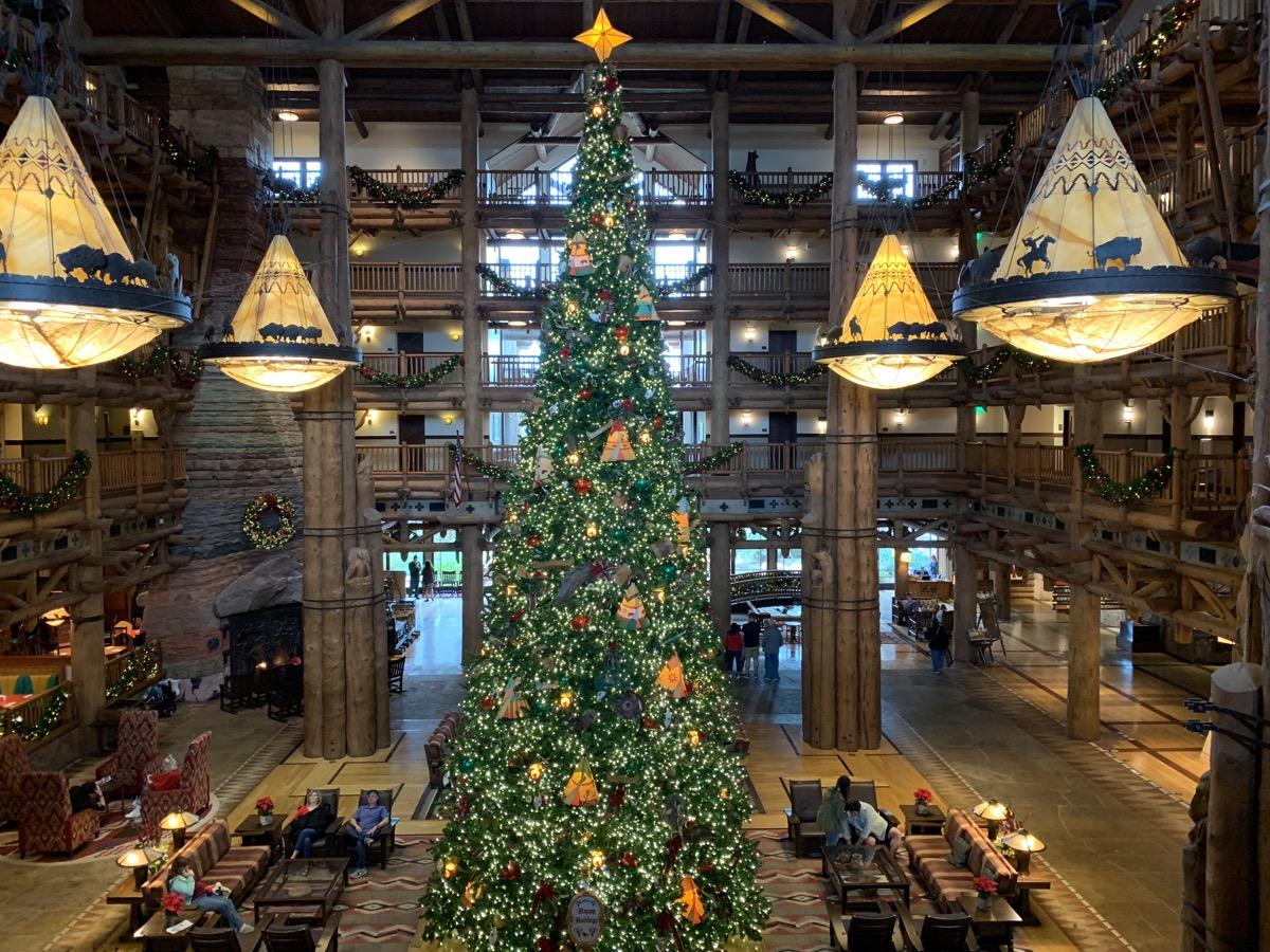 disney world hotels christmas decorations wilderness lodge tree 1.jpg