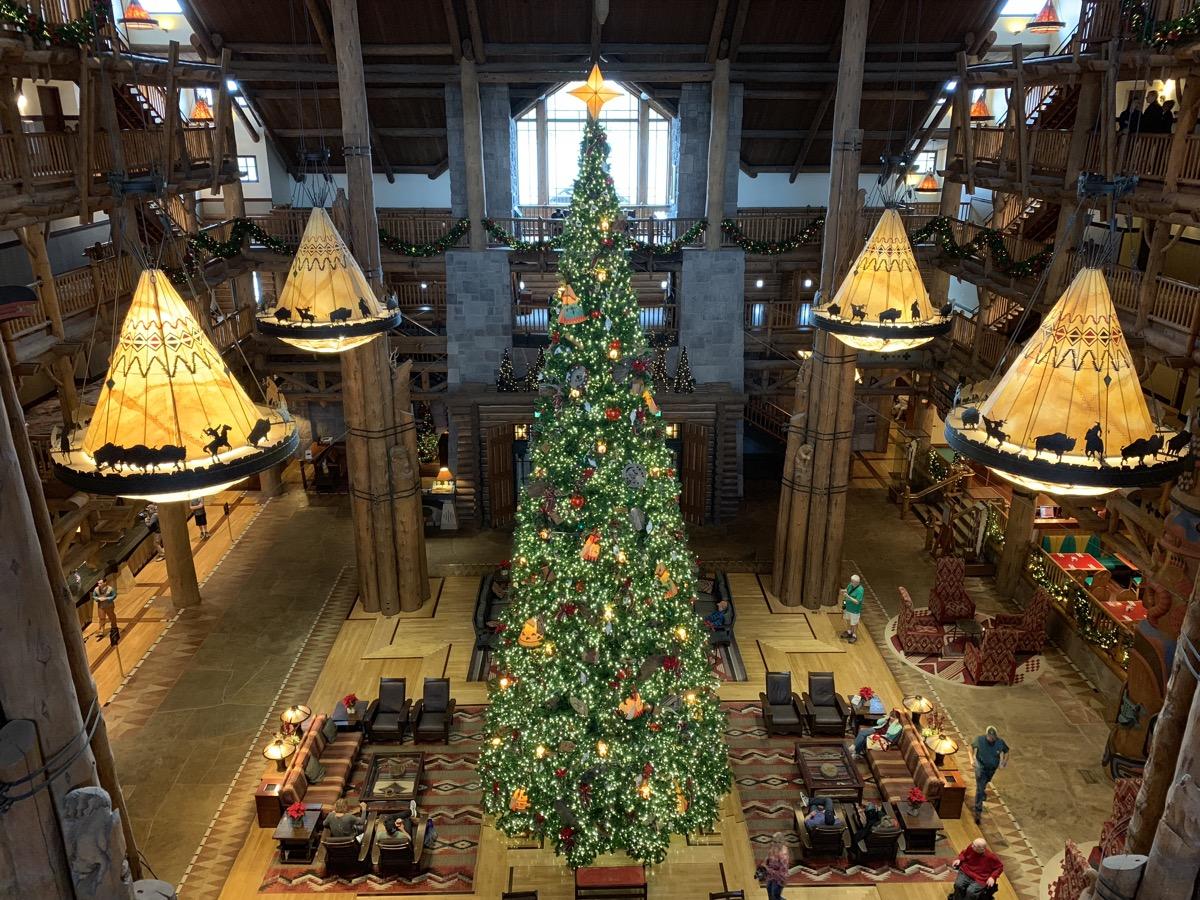 disney world hotels christmas decorations wilderness lodge tree 3.jpg
