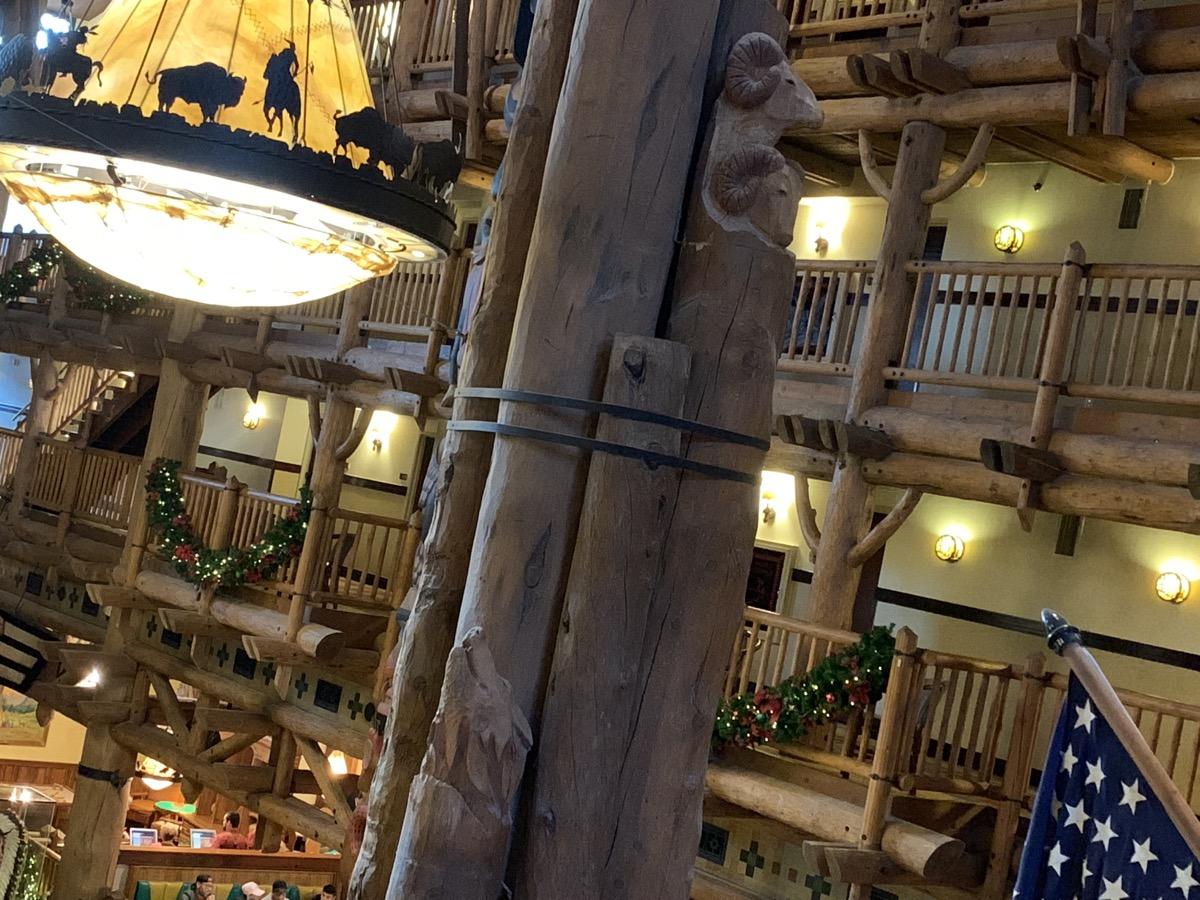 disneys wilderness lodge review lobby grounds 13.jpg