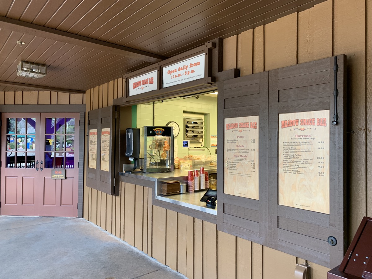 disneys fort wilderness review meadow snack bar 1.jpg