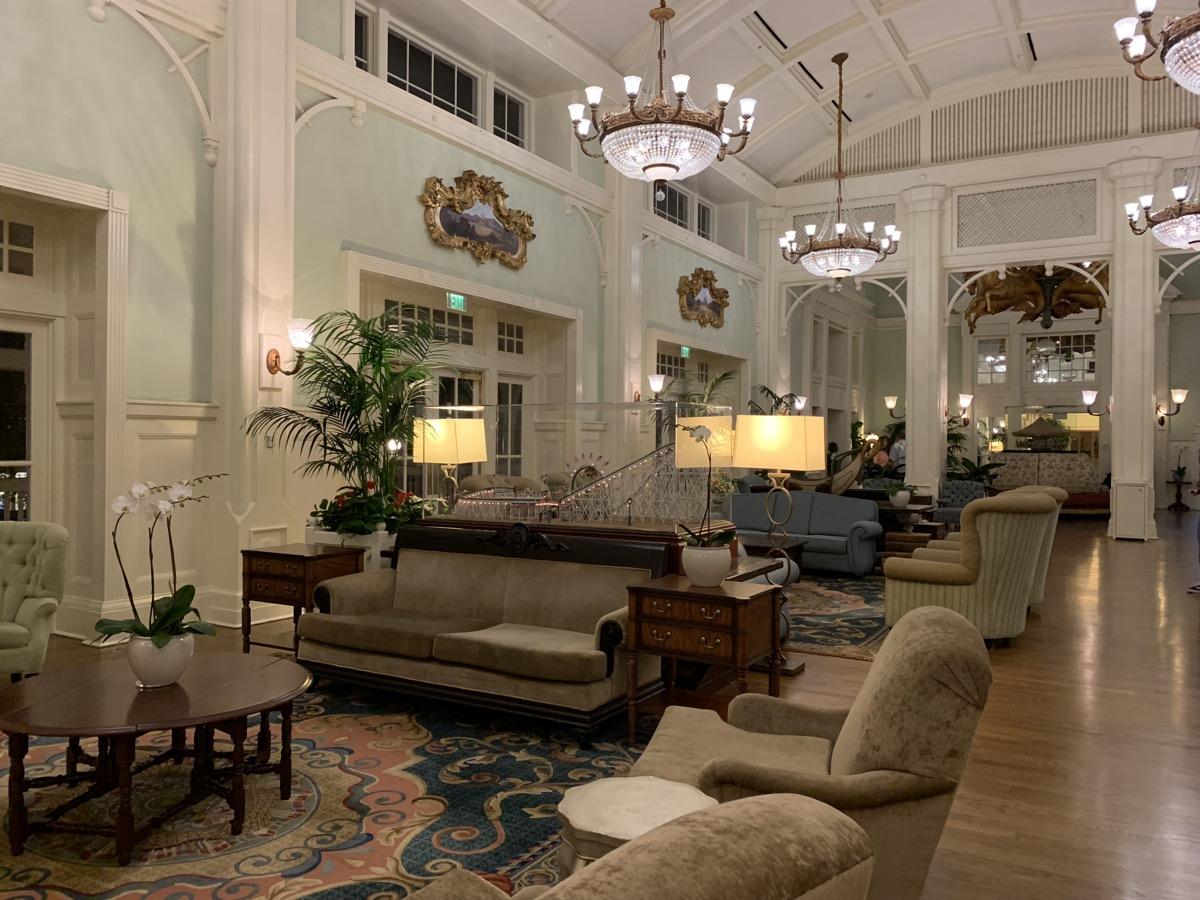 disneys boardwalk inn review lobby 3.jpeg
