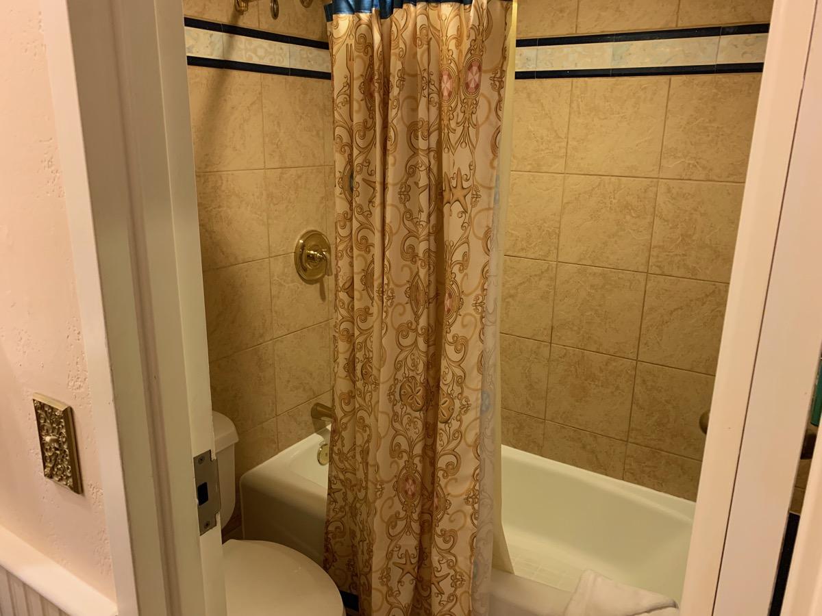 disney port orleans riverside royal guest room bathroom 3.jpeg