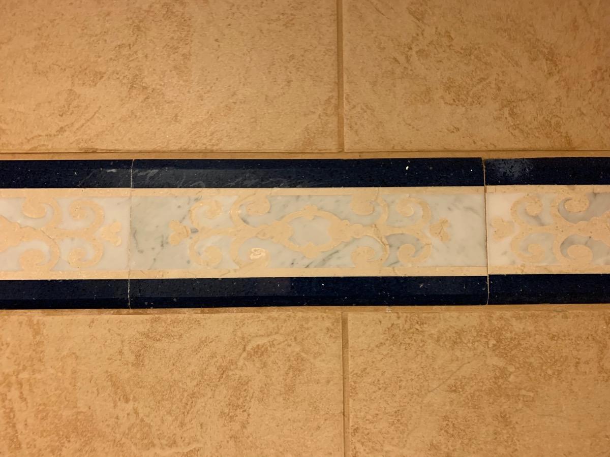 disney port orleans riverside royal guest room bathroom 5.jpeg