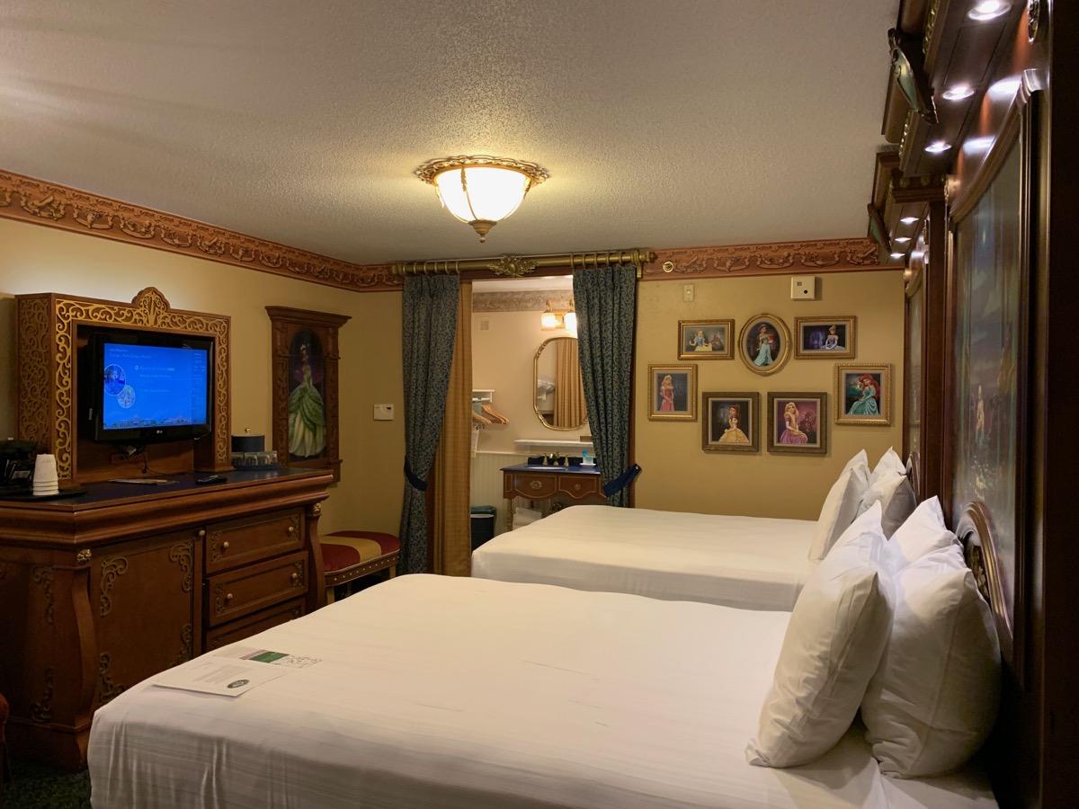 disney port orleans riverside royal guest room 1.jpeg