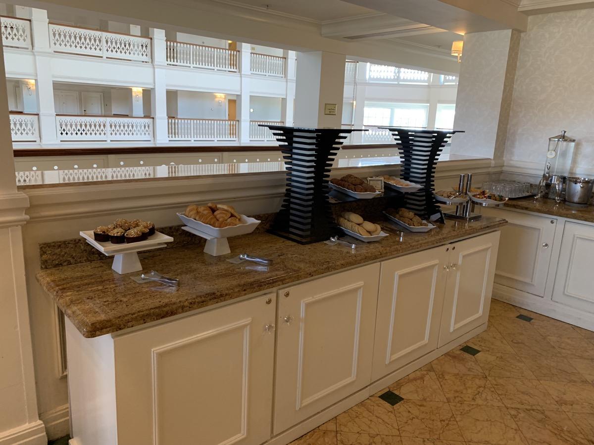 disneys grand floridian resort royal palm club refreshments 1.jpeg