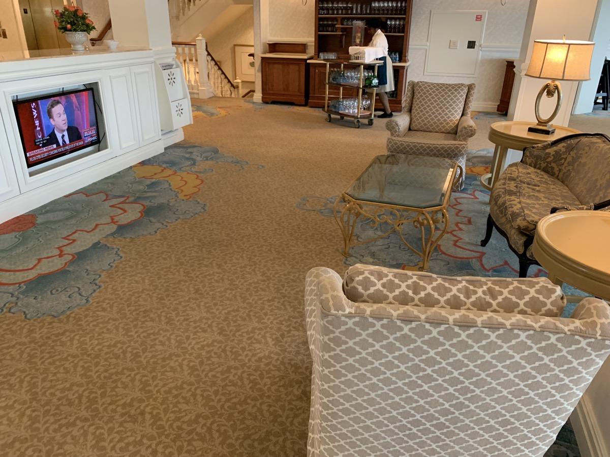 disney grand floridian royal palm club level review main lounge 10.jpeg