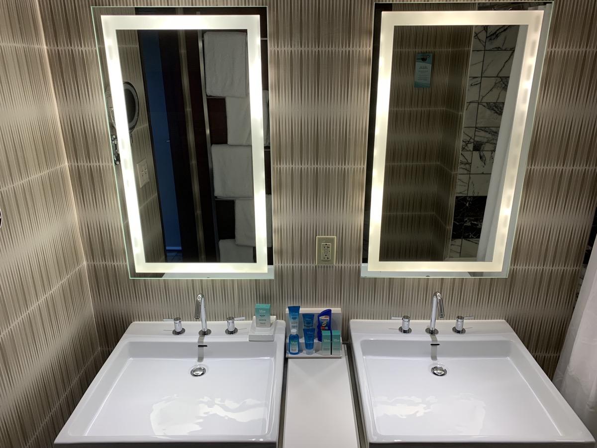 disneys contemporary resort review room bathroom 3.jpeg