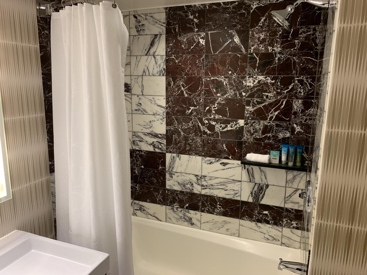 disneys contemporary resort review room bathroom 7.jpeg