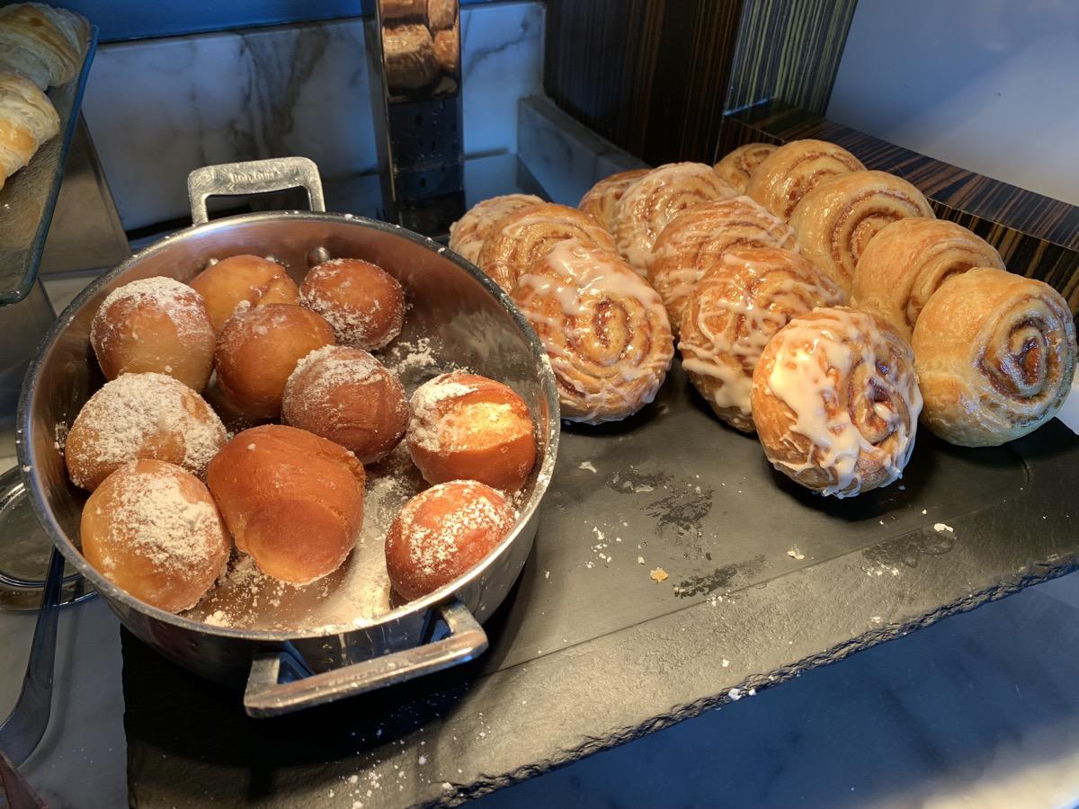 disney contemporary atrium club level review breakfast 11.jpeg