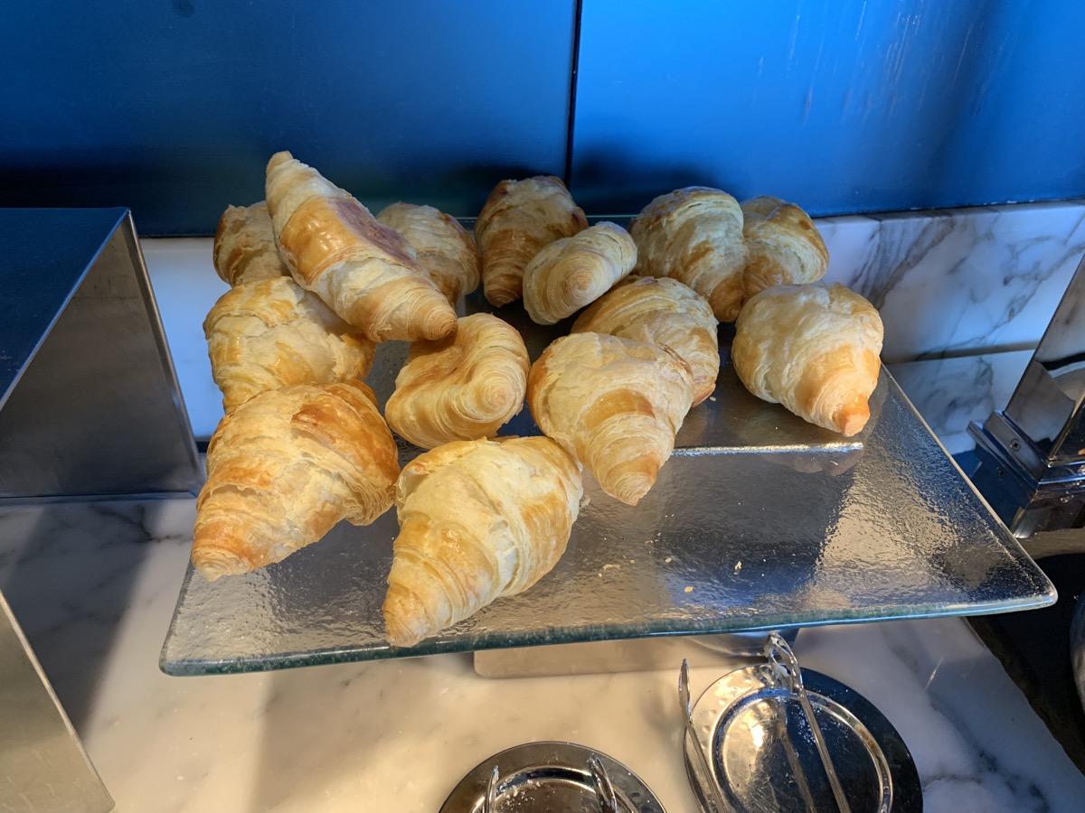 disney contemporary atrium club level review breakfast 12.jpeg