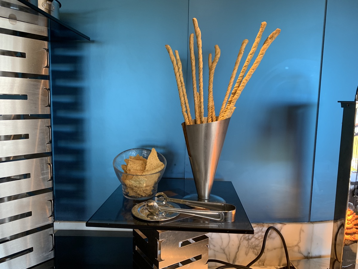 disney contemporary atrium club level review light snacks 3.jpeg