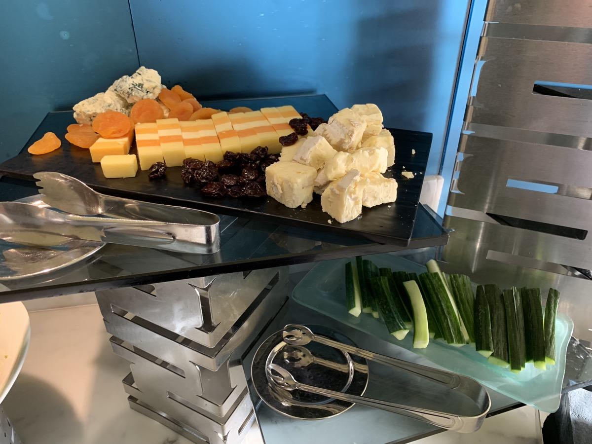 disney contemporary atrium club level review appetizers 9.jpeg