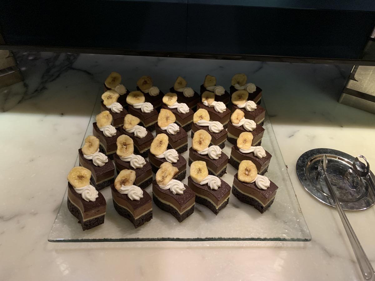disney contemporary atrium club level review dessert 1.jpg