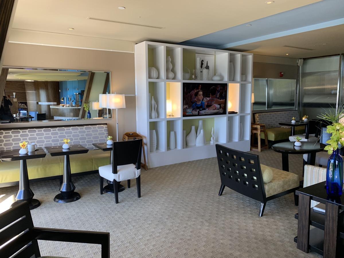 disney contemporary atrium club level review lounge 6.jpeg