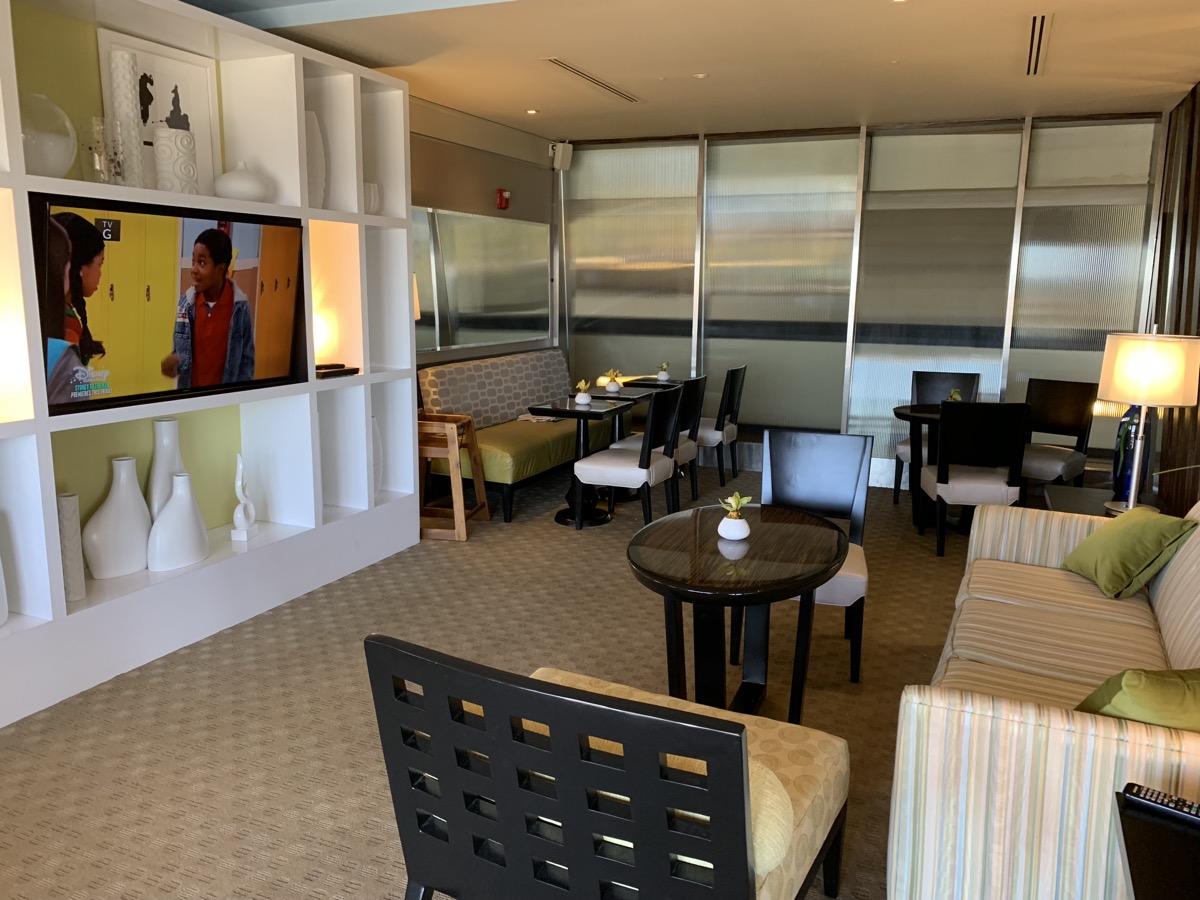 disney contemporary atrium club level review lounge 5.jpeg