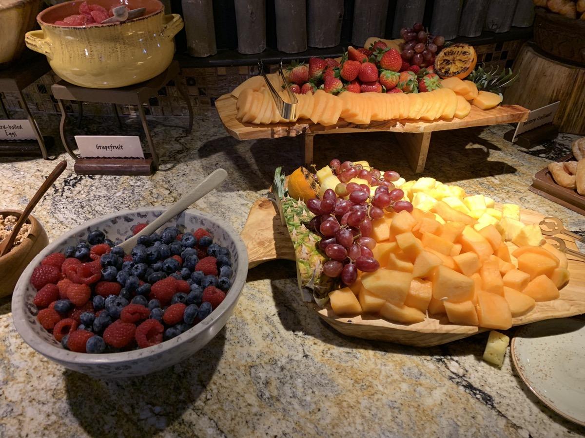 disney animal kingdom lodge kilimanjaro club level review breakfast 1.jpeg