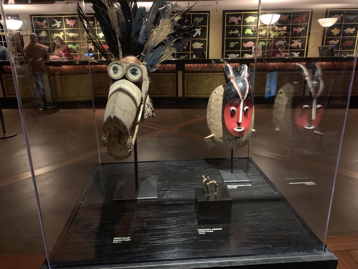 disney animal kingdom lodge review lobby artifact 2.jpeg