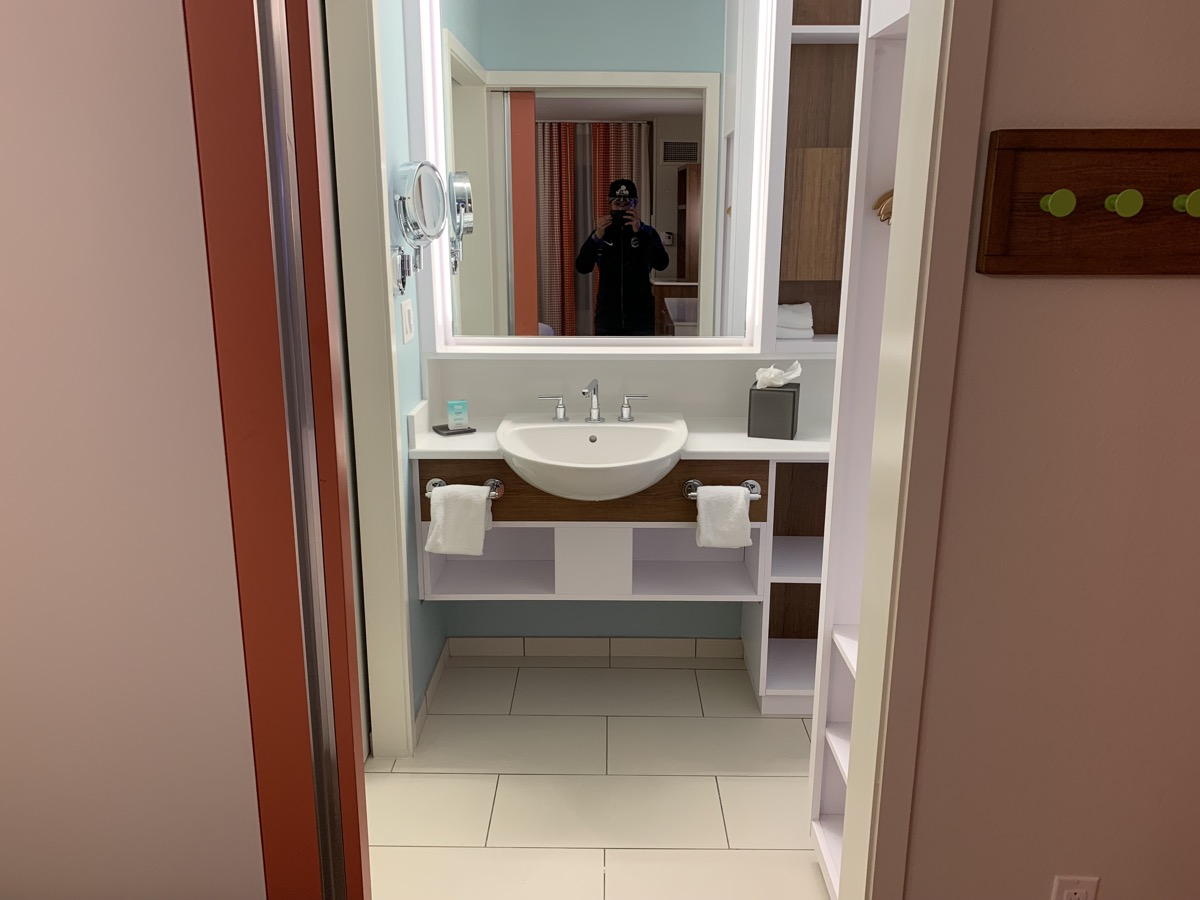 disney world pop century review room bathroom 1.jpeg