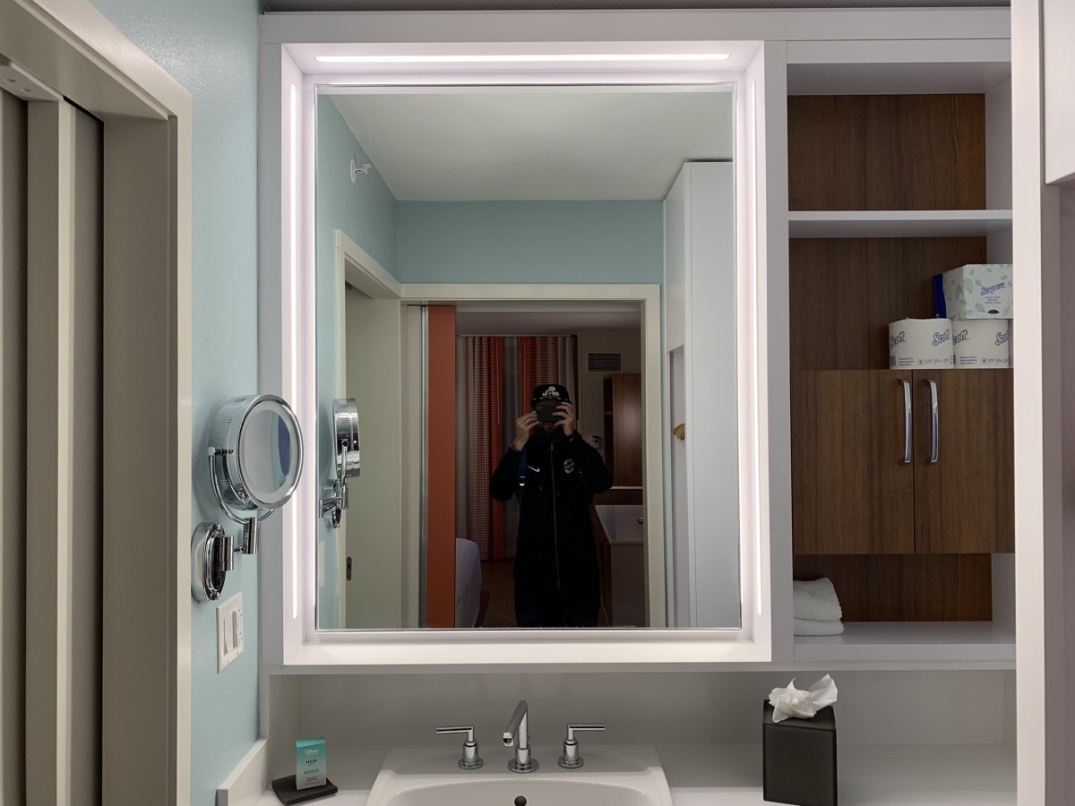 disney world pop century review room bathroom 7.jpeg